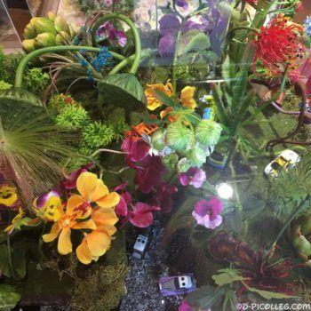 日比谷花壇コラボの「ディズニーモータース フラワージオラマ」